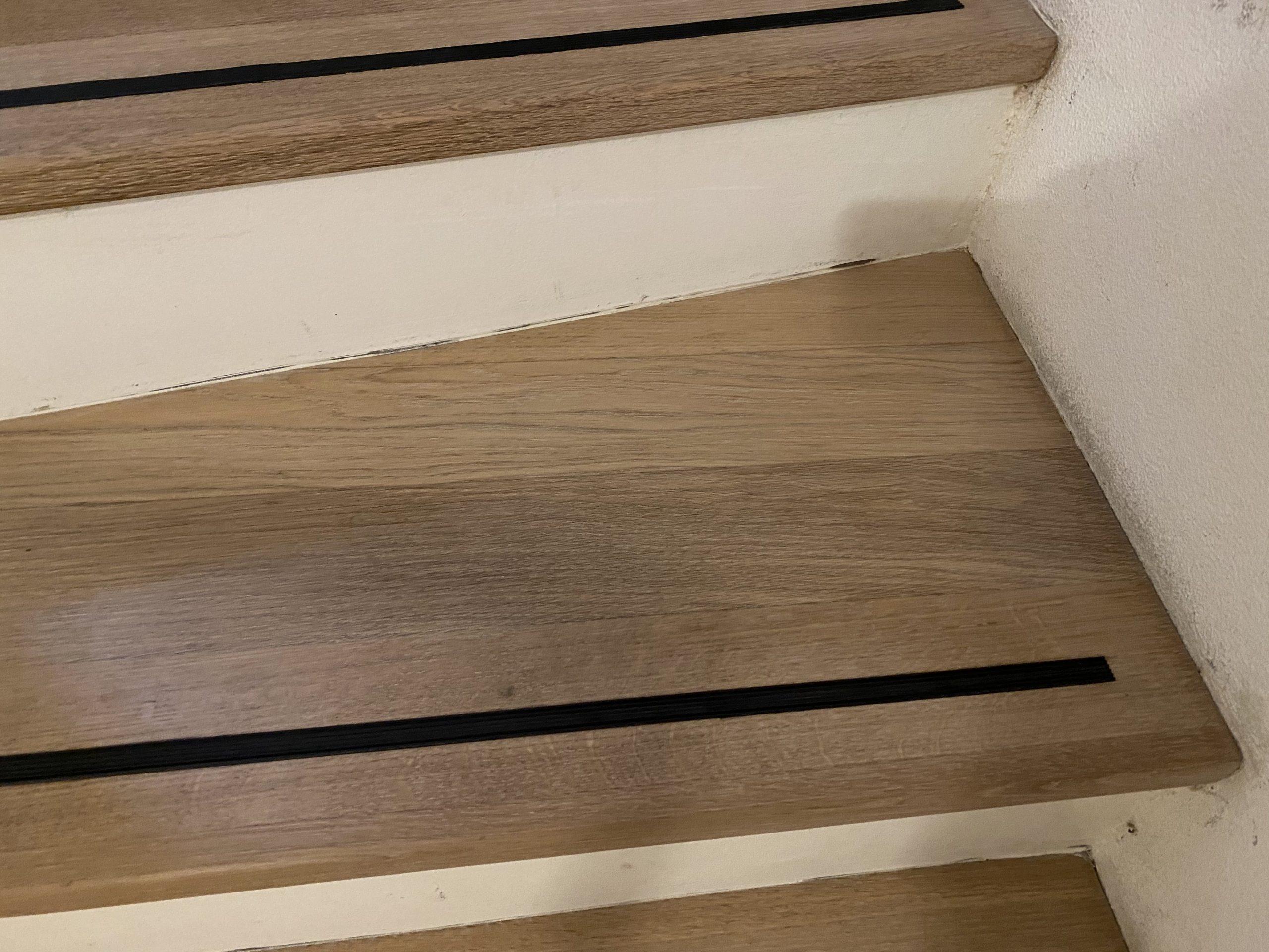 Barmetboden | Holztreppe