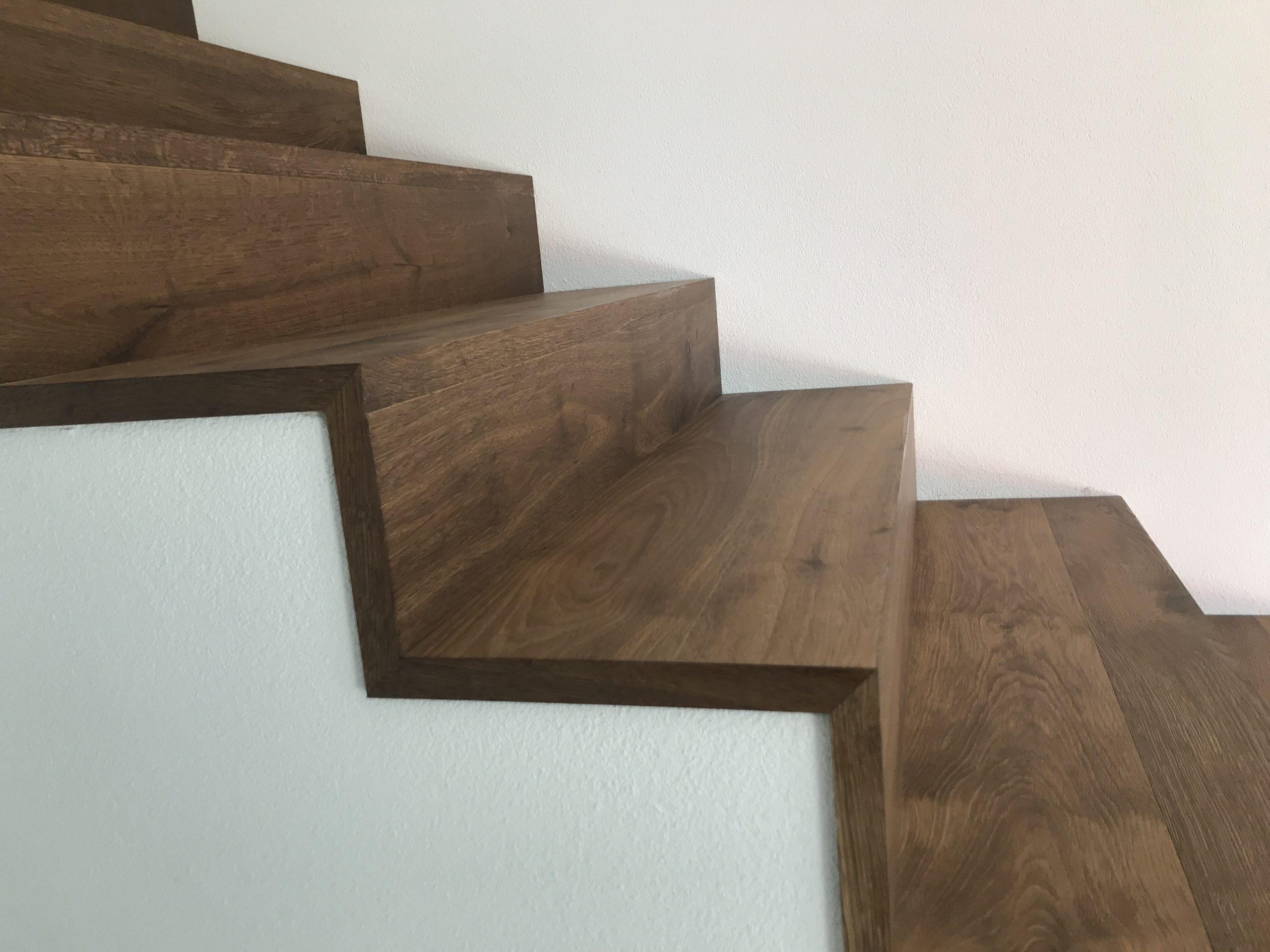 Barmetboden | Treppe mit sichtbarem Treppenauge