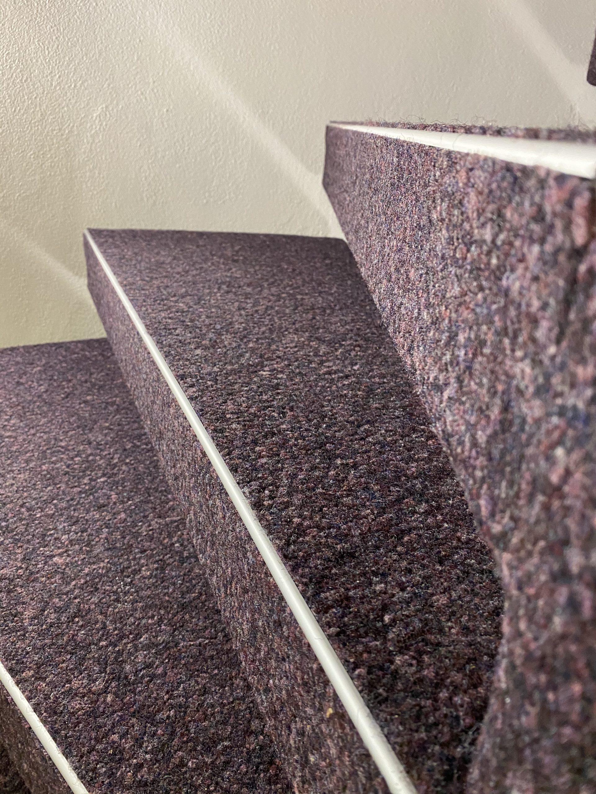 Barmetboden   Kugelgarn auf Treppe