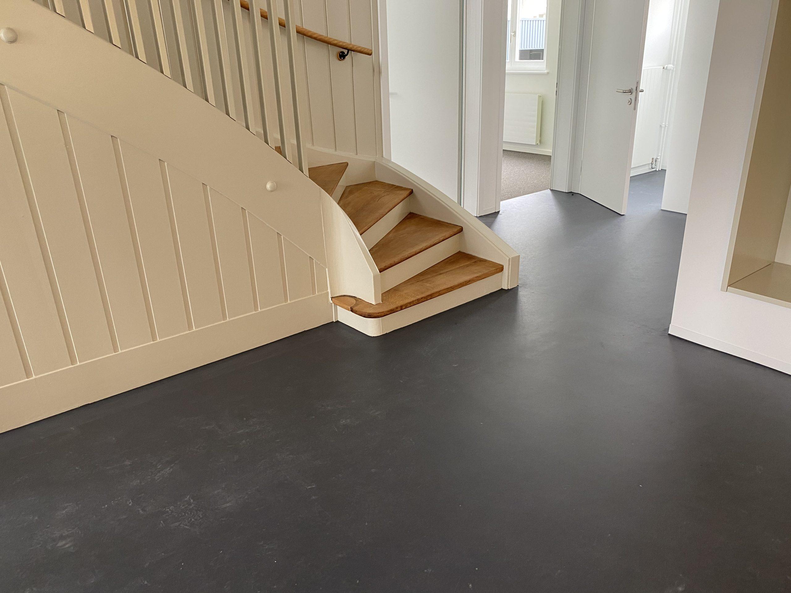 Barmetboden   Linoleum   Treppe   Eichenparkett